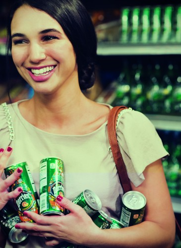 PERRIER STORY RETAIL Brand Perrier Creative agency WWW Photographer Thomas Vassort Production KP Production Starring Lisa Masker & Ifig Brouard Hair Make up Sarah Leroy Terquem Stylist Benjamin Armand
